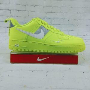 Nike Air Force 1 Low '07 LV8 Volt aj7747 700